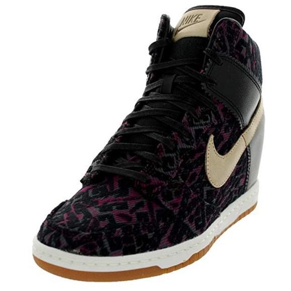 036568f3b0d Women s Nike Dunk Sky Hi Wedge Sneaker. M 5baa49a17386bcee3a3f1155